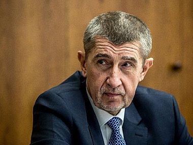 Srpen - Vrcholí spor o výklad elektronické evidence tržeb. Ministr Babiš ohlašuje, že stánkový prodej bude účtenky vydávat od března 2018.
