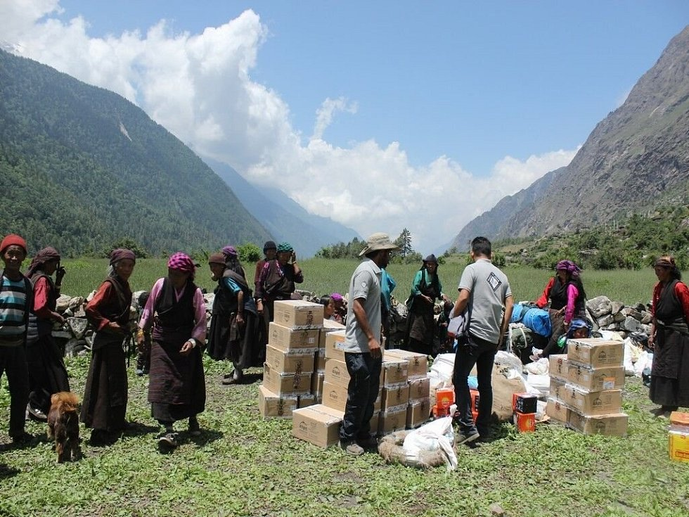 Před pěti lety postihlo Nepál zemětřesení, při kterém zahynulo devět tisíc lidí a statisíce dalších přišly o domov.