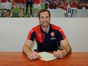 Petr Čech a jeho podpis smlouvy s Arsenalem