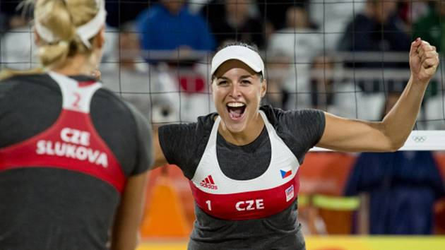 Markéta Sluková (vlevo) a Barbora Hermannová na olympijských hrách v Riu.