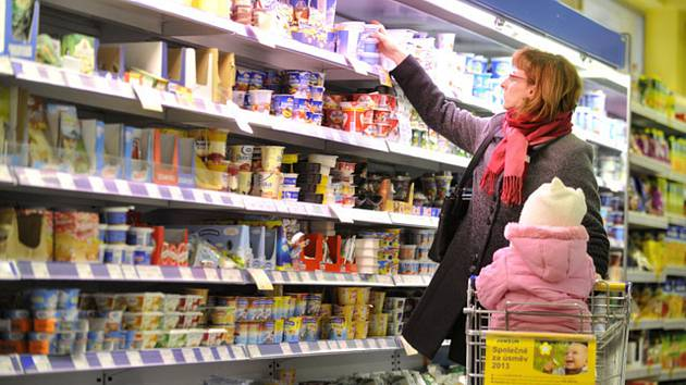 Obchod s potravinami, nákup - ilustrační foto