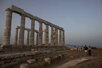 Rozvaliny Posedónova chrámu na mysu Sunion jižně od Atén