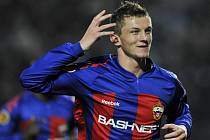 Střelec CSKA Moskva Tomáš Necid se raduje z gólu proti PAOK Soluň v zápase Evropské ligy.