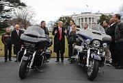 Donald Trump a motorky Harley-Davidson