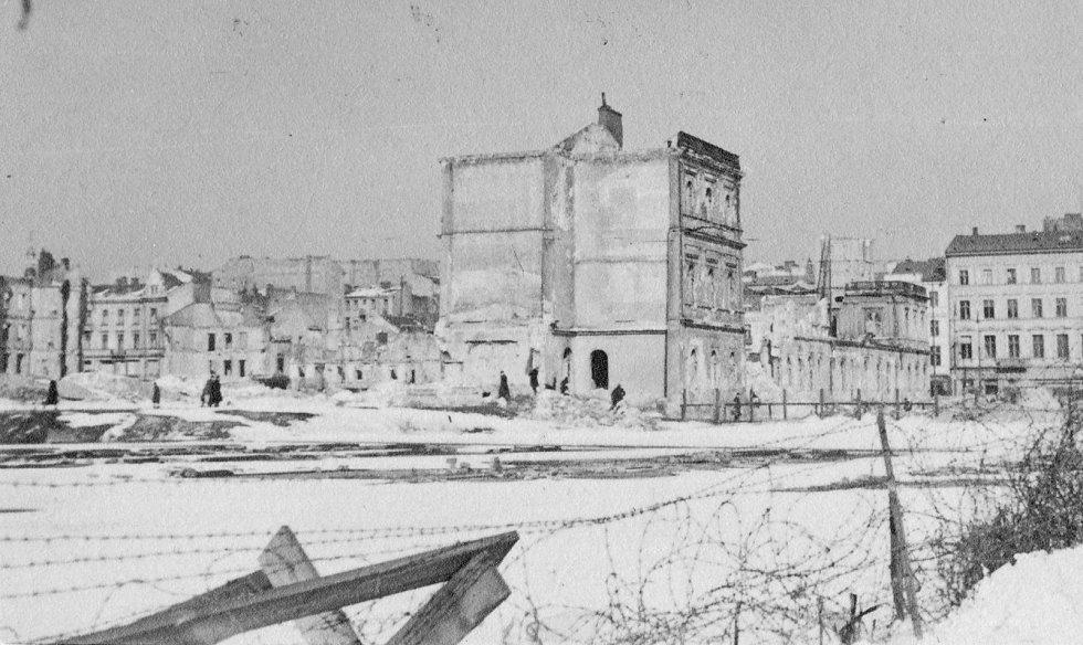 Velká část Varšavy skončila v ruinách