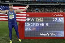 Olympijským vítězem ve vrhu koulí se stal Američan Ryan Crouser.