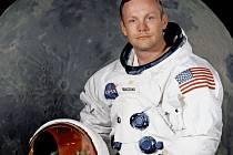 Neil Armstrong ve skafandru