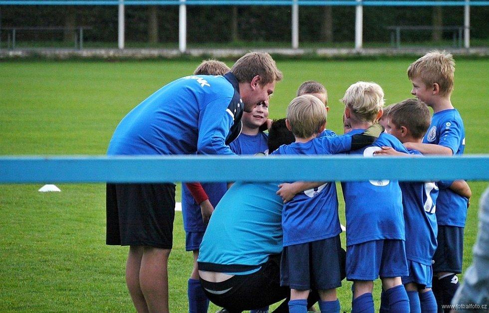 Důležité postavy. Trenéři (i trenérky), kteří vedou děti a mládež, jsou pro sport zásadní.