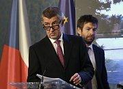 Premiér Andrej Babiš (vlevo) a ministr spravedlnosti Robert Pelikán.