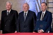 Prezident Miloš Zeman na státní svátek 28. října předával státní vyznamenání ve Vladislavském sále Pražského hradu. Kukura, Loprais, Margita