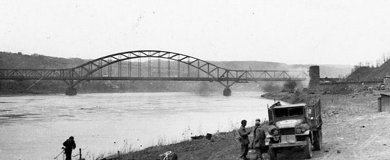 Most u Remagenu během bojů