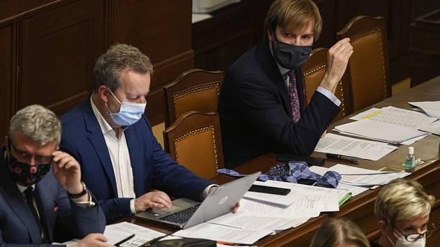 Ministři na schůzi Sněmovny