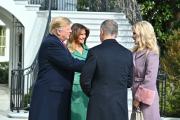 Americký prezident Donald Trump s manželkou Melanií a premiér Andrej Babiš s manželkou Monikou.