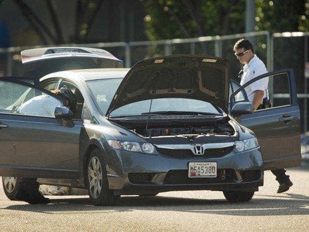 """Řidič bloudící po Washingtonu se """"zavěsil"""" za kolonu doprovázející dcery amerického prezidenta Baracka Obamy a projel tak i přes kontrolní stanoviště u Bílého domu."""