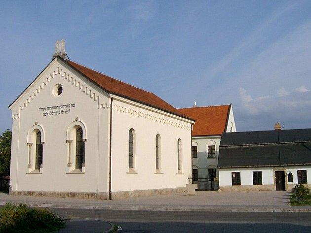 Heřmanův Městec, synagoga