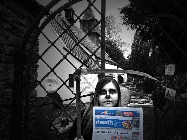 Ve Starém Svojanově v kostelíku sv. Mikuláše čte i paní Smrtka Svitavský deník. :)