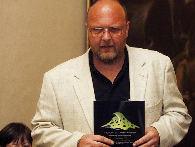 Bývalý ředitel Národní knihovny, Vlastimil Ježek, byl na akci též přítomný