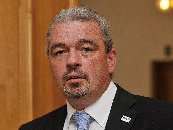 Jeden z odcházejících zastupitelů Čestmír Bruštík.