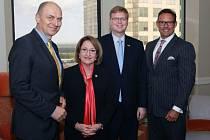 Zleva velvyslanec Gandalovič, starostka Orange County Jacobsová, český vicepremiér pro výzkum Bělobrádek a honorární konzul ČR na Floridě Inochovsky.