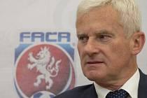 Předseda komise rozhodčích Fotbalové asociace ČR Michael Listkiewicz.