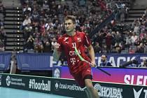 Florbalista Josef Rýpal se raduje z gólu proti Německu.