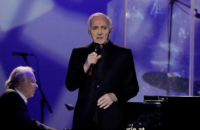 Francouzský šansoniér Charles Aznavour