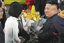 Přivítání severokorejského vůdce Kim Čong-una ve vietnamském pohraničním městě Dong Dang, kam přijel svým speciálním vlakem.