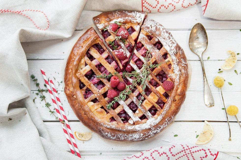 Malinový mřížkovaný koláč s tymiánem