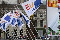 Nizozemci v nezávazném referendu jasně odmítli dohodu o přidružení Ukrajiny k Evropské unii.