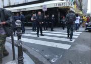 Policisté oblast uzavřeli.