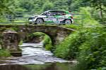 Rally Bohemia, pátý závod seriálu Mistrovství České republiky v rally, pokračovala 2. července. Na snímku Jaromír Tarabus a spolujezdec Petr Machů s vozem Škoda Fabia S2000 na deváté rychlostní zkoušce - Radostín.