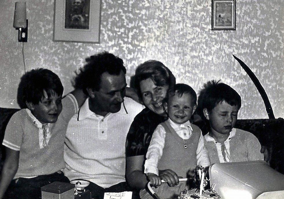 Rodinné foto s dětmi.