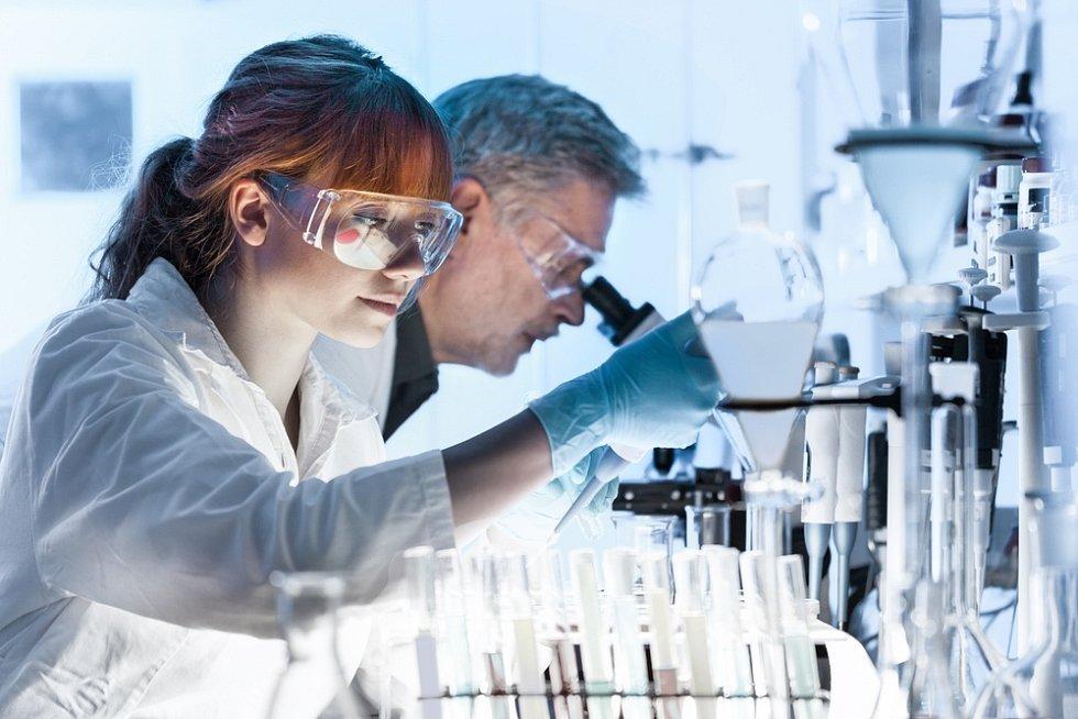 Perspektivu má celá řada profesí vrámci zdravotnictví a farmaceutického průmyslu