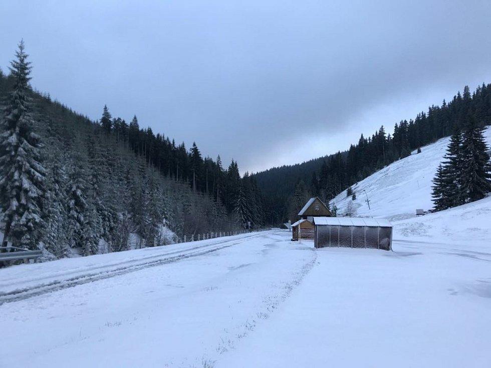 Sníh dorazil v květnu do Krkonoš a Orlických hor