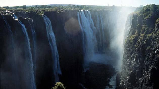Viktoriiny vodopády na řece Zambezi