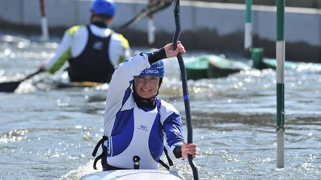 Dvojnásobná olympijská šampionka ve vodním slalomu Štěpánka Hilgertová při tréninku v Praze na Štvanici.