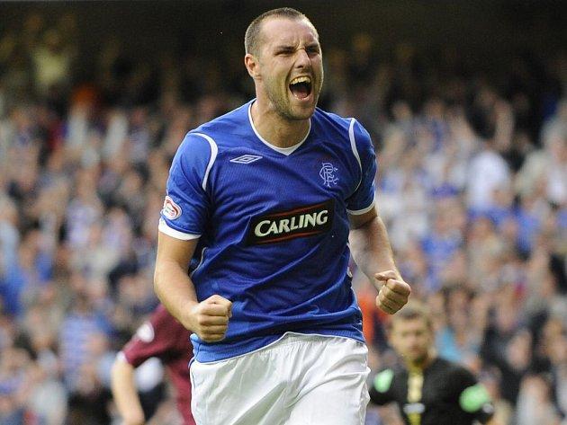 Kris Boyd z Glasgow Rangers slaví gól, který dal ve skotské lize týmu Hearts.