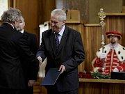 Prezident Zeman při jmenování profesorů v pražském Karolinu.