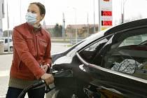 Tankování pohonných hmot v Plzni