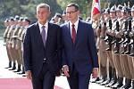 Polský premiér Mateusz Morawiecki (vpravo) a Andrej Babiš během schůzky ve Varšavě