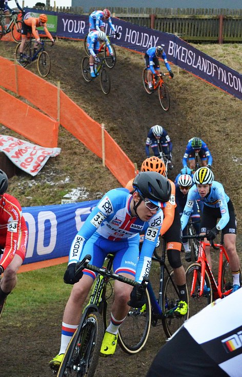 Závod juniorů na MS v cyklokrosu v dánském Bogense. Tomáš Ježek (vpředu).