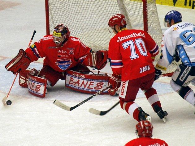 Českobudějovičtí hokejisté vyhráli druhý domácí zápas v řadě. Vítkovice porazili 6:5.