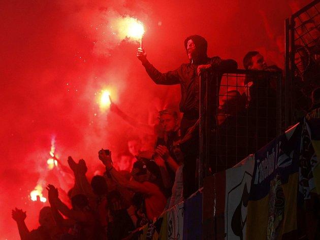 Fanoušci fotbalové Sparty během derby se Slavií.