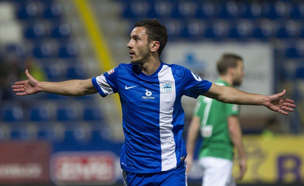 Sergej Rybalka z Liberce se raduje z gólu proti Jablonci.