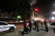 Útočník svou sebevraždou způsobil požár kasína