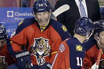 Jaromír Jágr zazářil proti Detroitu a jako šestý hráč v historii NHL pokořil hranici 1100 asistencí.