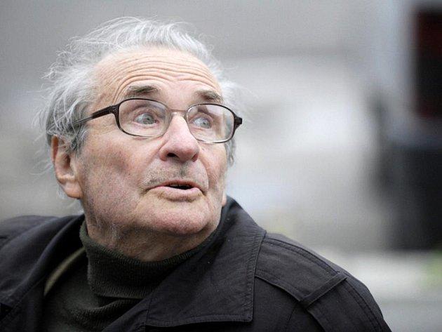 Režisér a herec Oleg Reif, představitel Pláničky staršího ve filmu Slunce , seno, jahody.