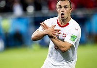 Xherdan Shaqiri oslavuje vstřelený gól