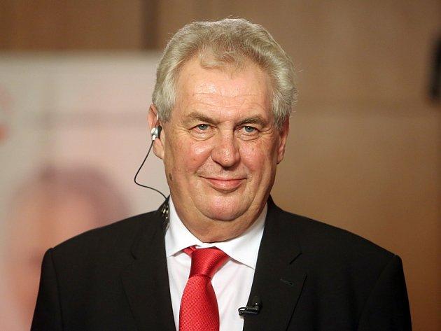 Novým prezidentem České republiky byl v sobotu 26. ledna 2013 zvolen Miloš Zeman.