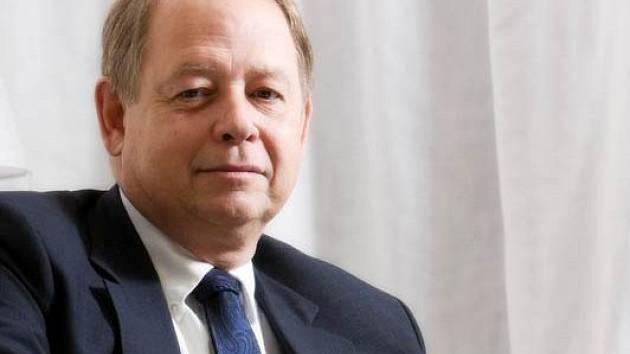 Generální ředitel společnosti Real Estate tony Aksich